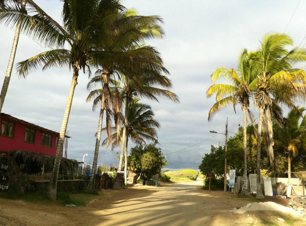 links im Bild ist die Casa Rosa: ein Hostel für coole Backpacker